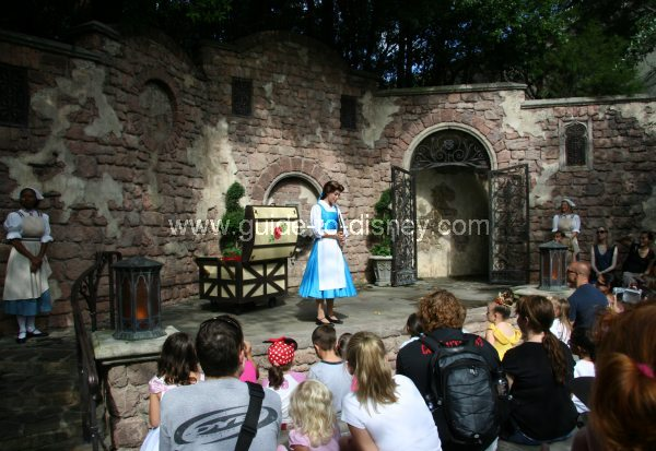 Guide To Disney World Fairytale Garden Storytime With