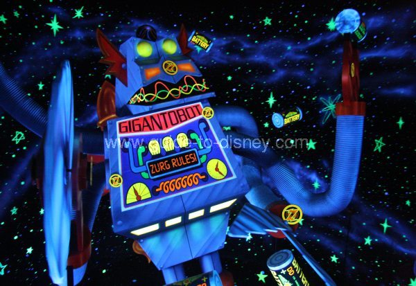 Guide To Disney World Buzzlightyear S Space Ranger Spin